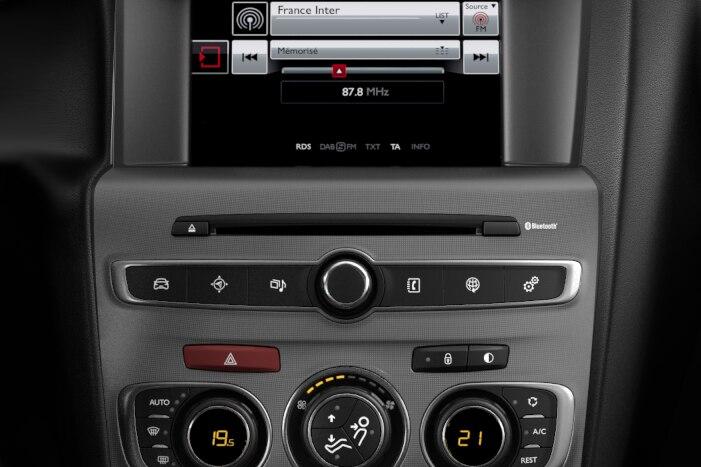 SMEG Audio DAB - System audio cyfrowy z tabletem dotykowym 7''