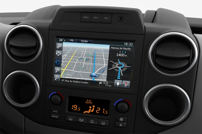 NAVIGATIONSSYSTEM + 7-ZOLL-TOUCHSCREEN