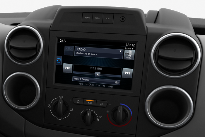 Audio DAB inkl. Touchscreen und Connecting-Box
