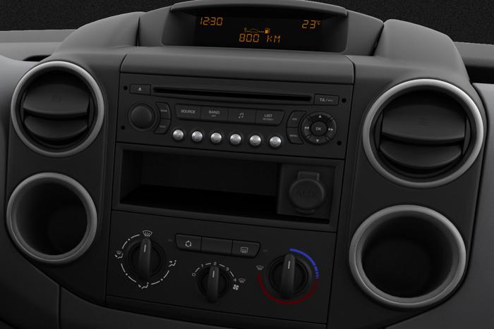 Audio-System CD-Player / MP3 / 4 Lautsprechern / AUX-Eingang
