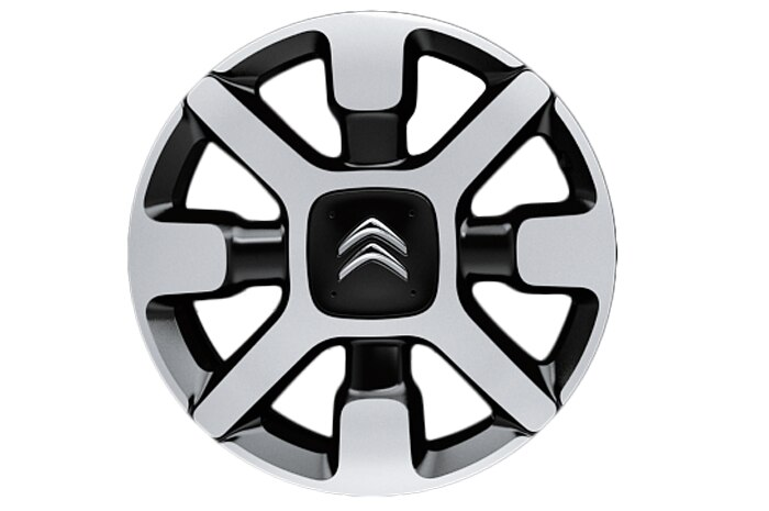 17 inch diamond cut 'Cross' alloy wheels with all season tyres