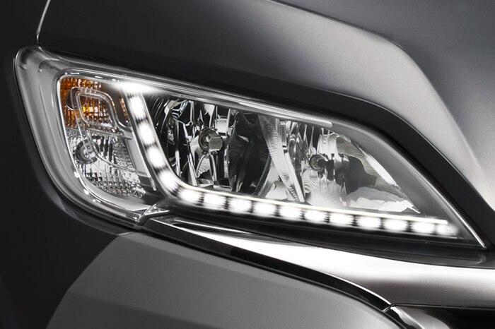 LED diody v předních světlometech