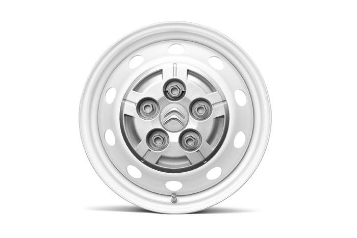 Alternativní montáž pneumatik 225/70 R15C M+S